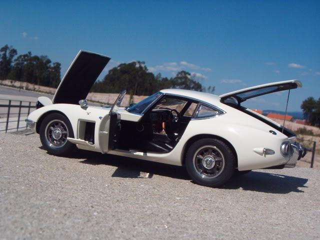 Автомобильная модель Toyota 2000 GT