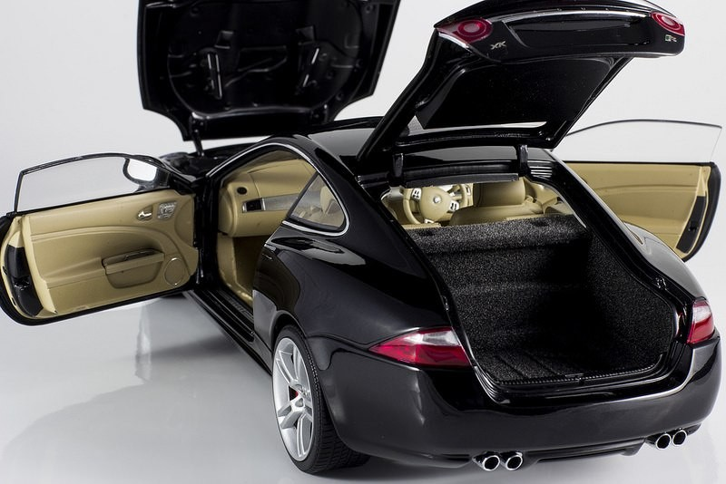 Фотография Jaguar XKR Coupe
