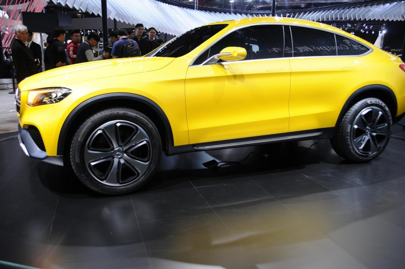 Mercedes Benz-GLC вид сбоку