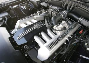 Rolls-Royce Phantom двигатель