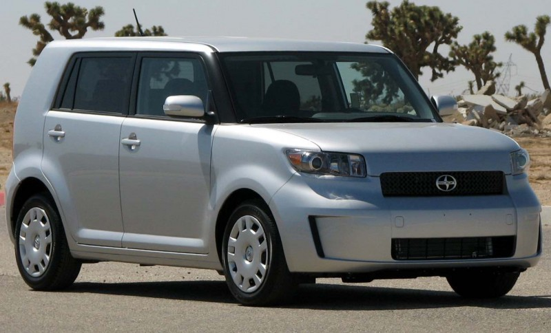 Минивэн Scion xB