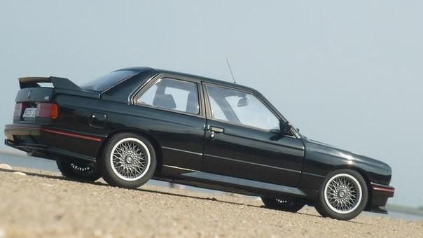 Автомобильная модель BMW M3 E30 Sport Evolution