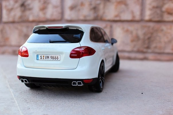 Вид сзади Porsche Cayenne