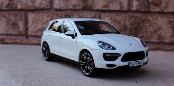 Белый Porsche Cayenne
