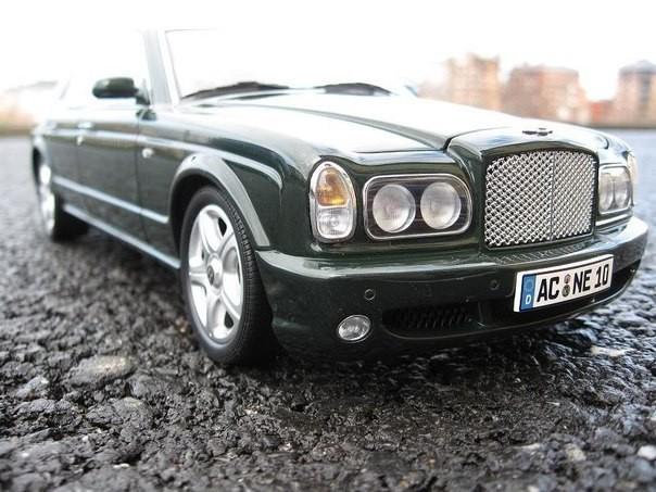 Автомобильная модель Bentley Arnage T фотография