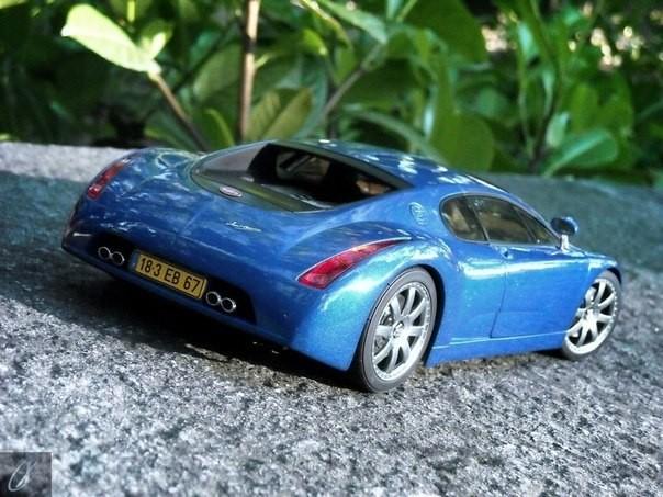 Вид сзади Bugatti Chiron
