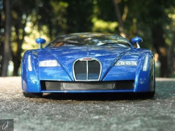 Bugatti Chiron авто