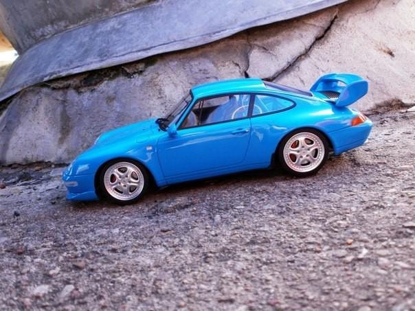 Вид сбоку Porsche 911( 993) RS Club Sport