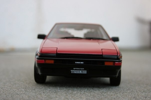Вид спереди Toyota Sprinter Trueno AE86 GT Apex