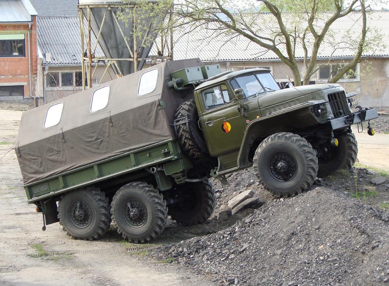 Урал-4320 грузовой автомобиль