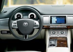 Jaguar XF салон