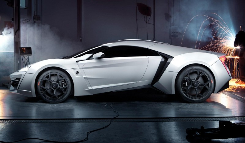 Lykan Hypersport вид сбоку