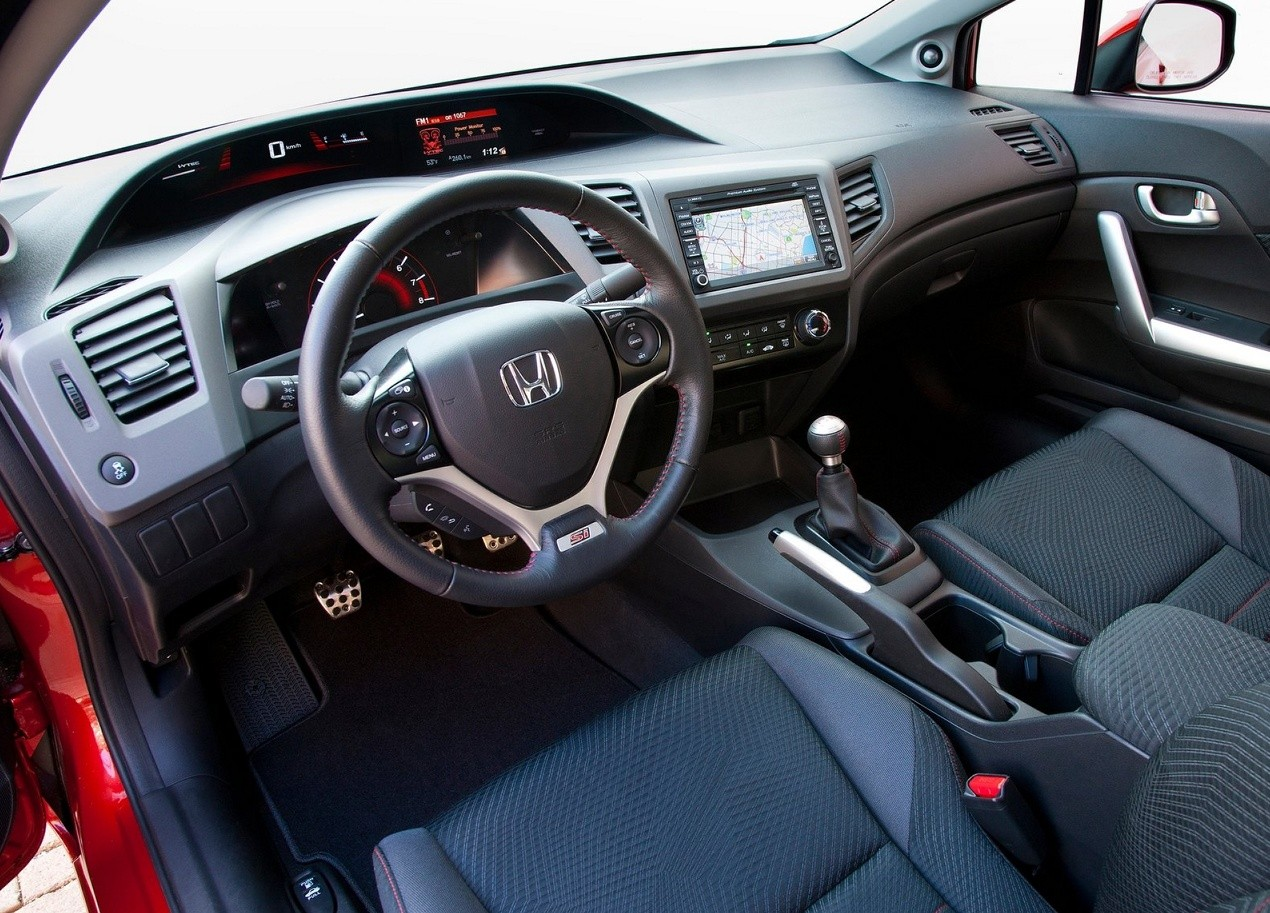 Салон Honda Civic Si