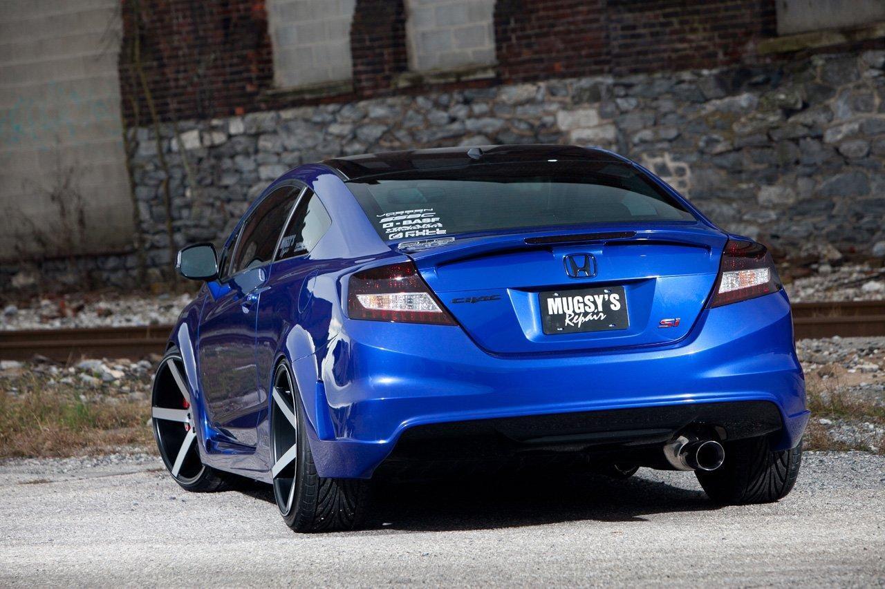 Вид сзади Honda Civic Si