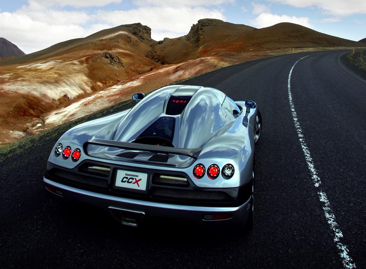 Вид сзади Koenigsegg CCX