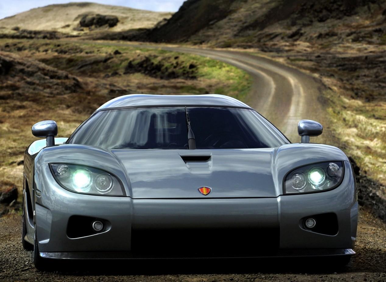Вид спереди Koenigsegg CCX
