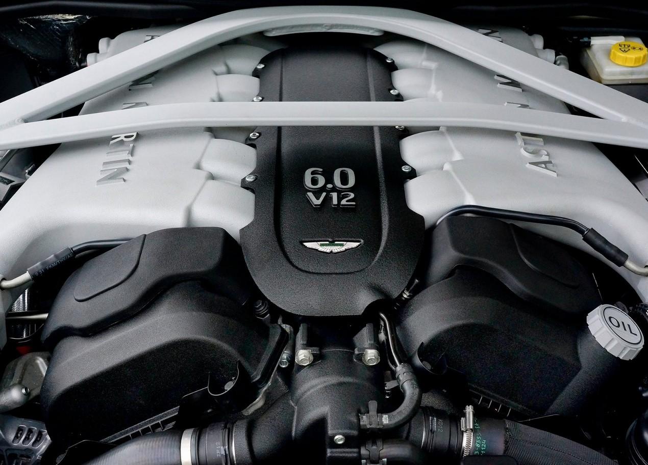Aston Martin DB9 двигатель