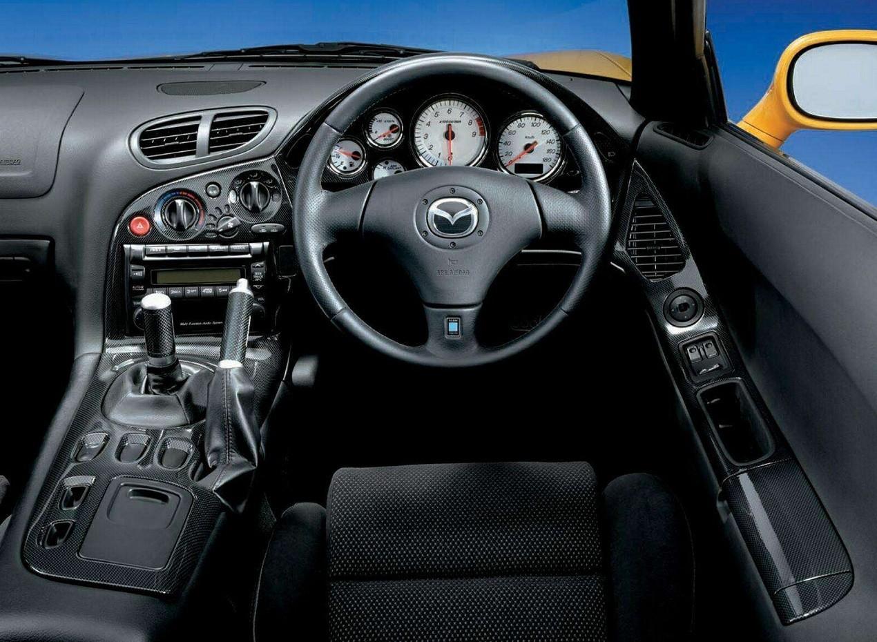 Mazda RX-7 салон