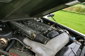 Lamborghini LM002 двигатель