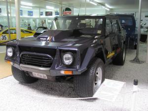 Lamborghini LM002 автомобиль
