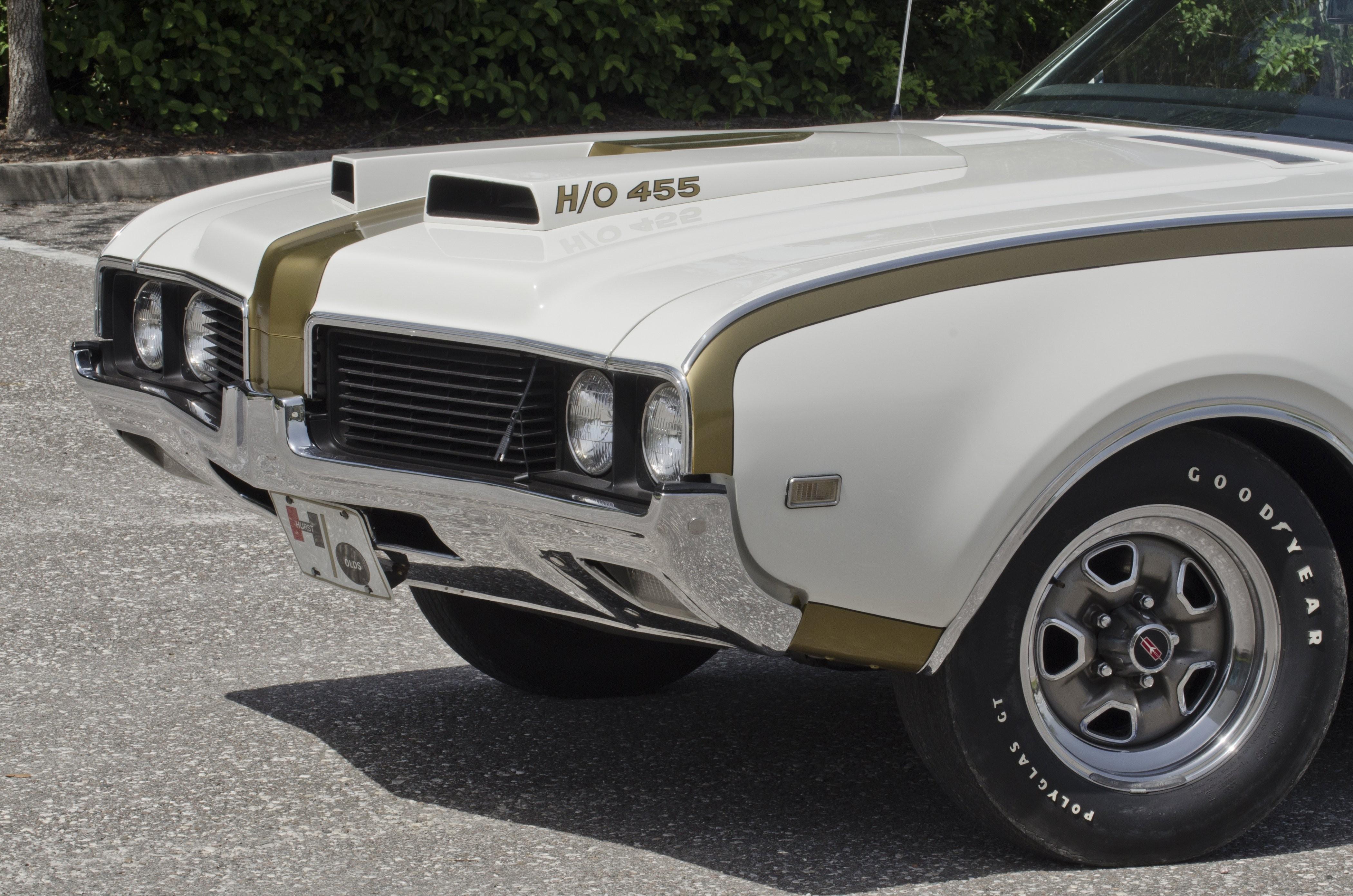 Oldsmobile 442 Hurst маслкар