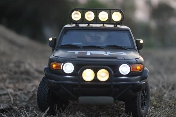 Toyota FJ Cruiser вид спереди