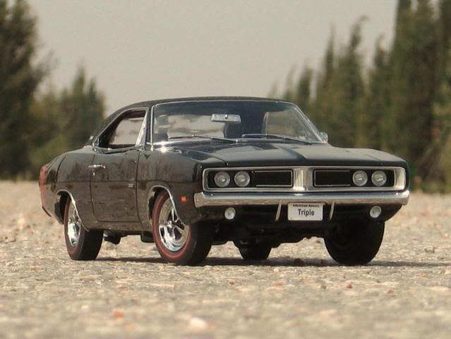 Моделька Dodge Charger RT