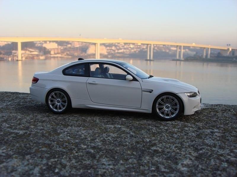 BMW M3 E92 вид сбоку