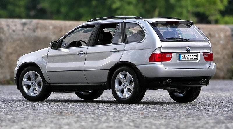 BMW X5 фотография модельки