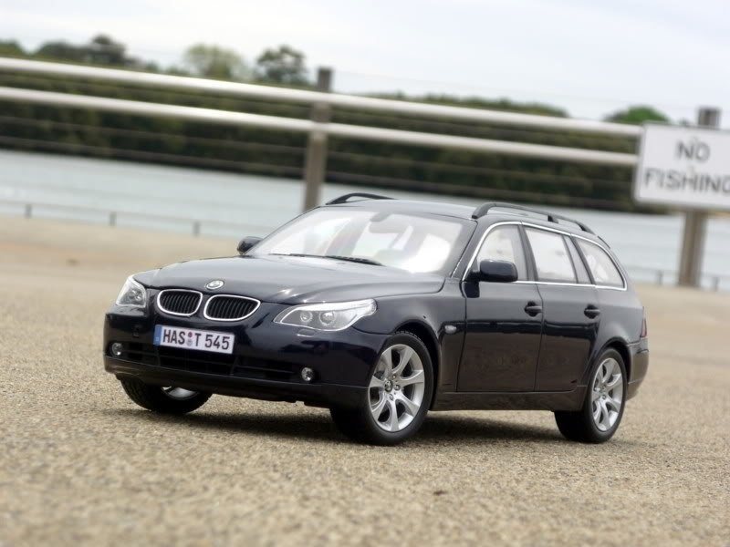 BMW 545i Touring фотография