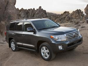 Toyota Land Cruiser 200 фото авто