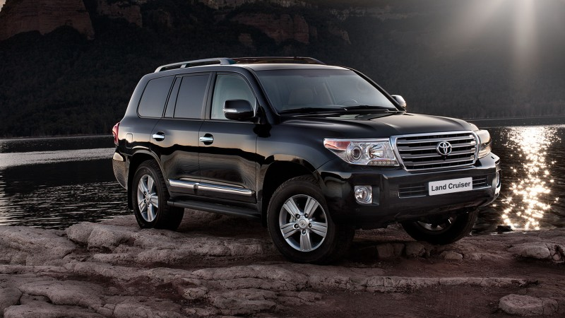 Toyota Land Cruiser 200 фотография