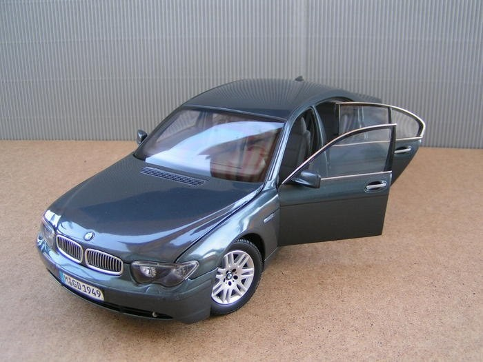 BMW 745i фотография