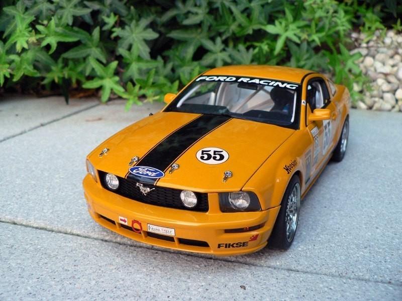 Вид спереди Ford Mustang FR500C