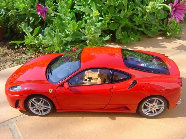 Вид сбоку Ferrari F430