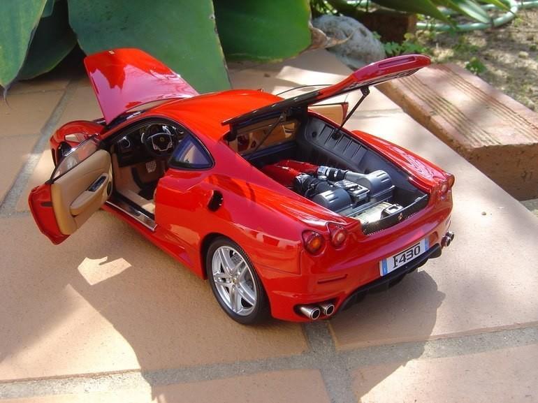Авто Ferrari F430