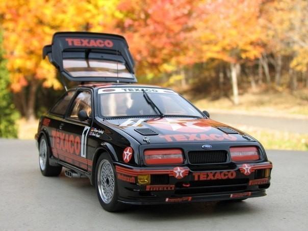 Авто Ford Sierra RS500 Cosworth Group A