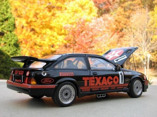 Вид сбоку Ford Sierra RS500 Cosworth Group A