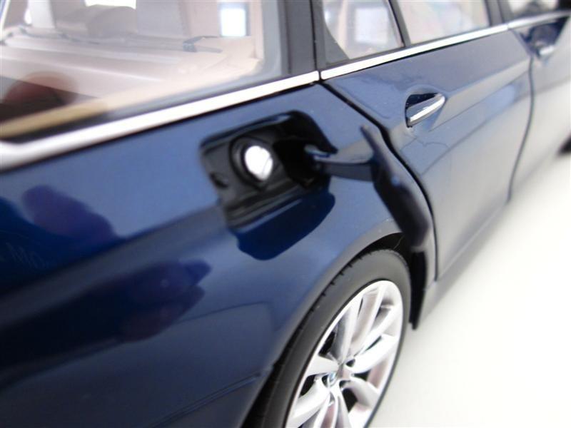 Фото авто BMW 550i Touring