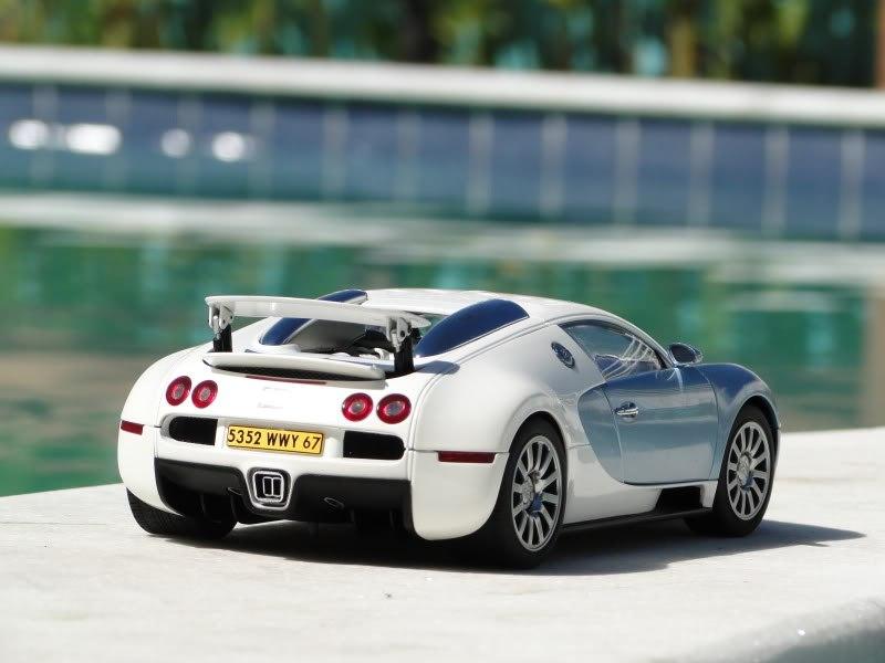 Спорткар Bugatti Veyron