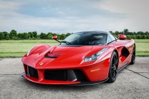 Ferrari LaFerrari авто