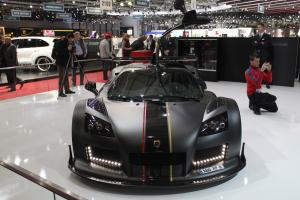Gumpert Apollo Enraged вид спереди
