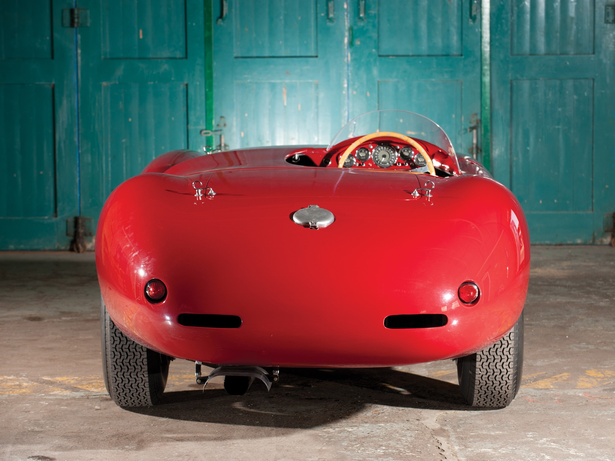 Ferrari 750 Monza вид сзади