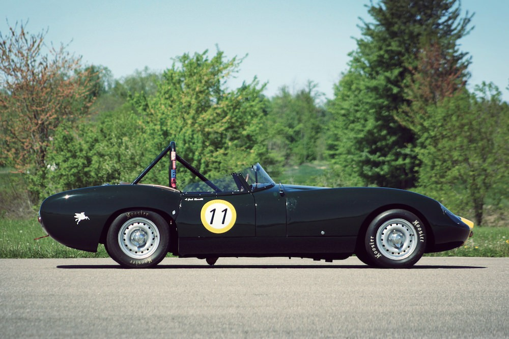 Lister Jaguar Costin Roadster вид сбоку