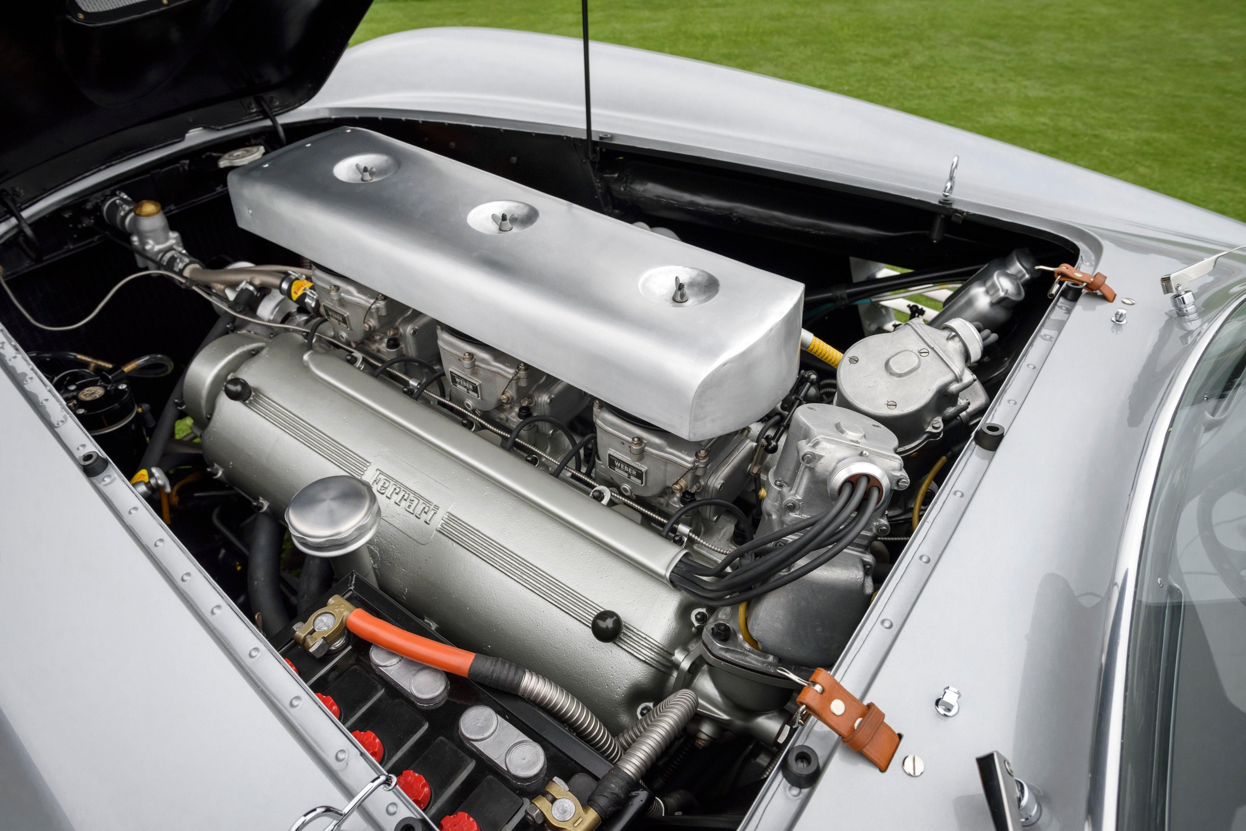 Ferrari 375 MM Coupe Scaglietti двигатель