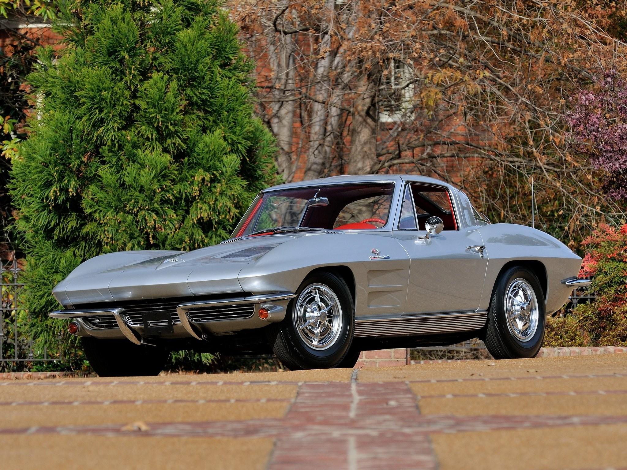 Chevrolet Corvette C2 Sting Ray photo