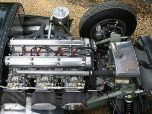 Lister Jaguar Costin Roadster двигатель