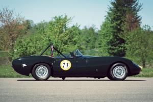 Lister Jaguar Costin Roadster вид сбоку