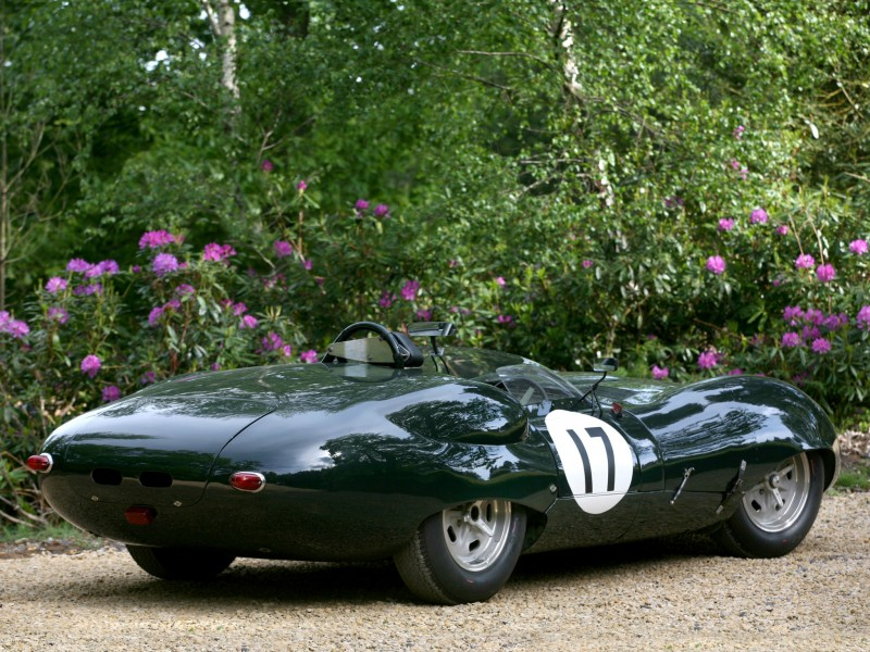 Lister Jaguar Costin Roadster вид сзади