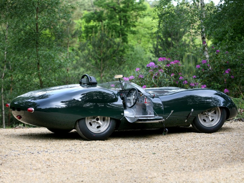 Спорткар Lister Jaguar Costin Roadster